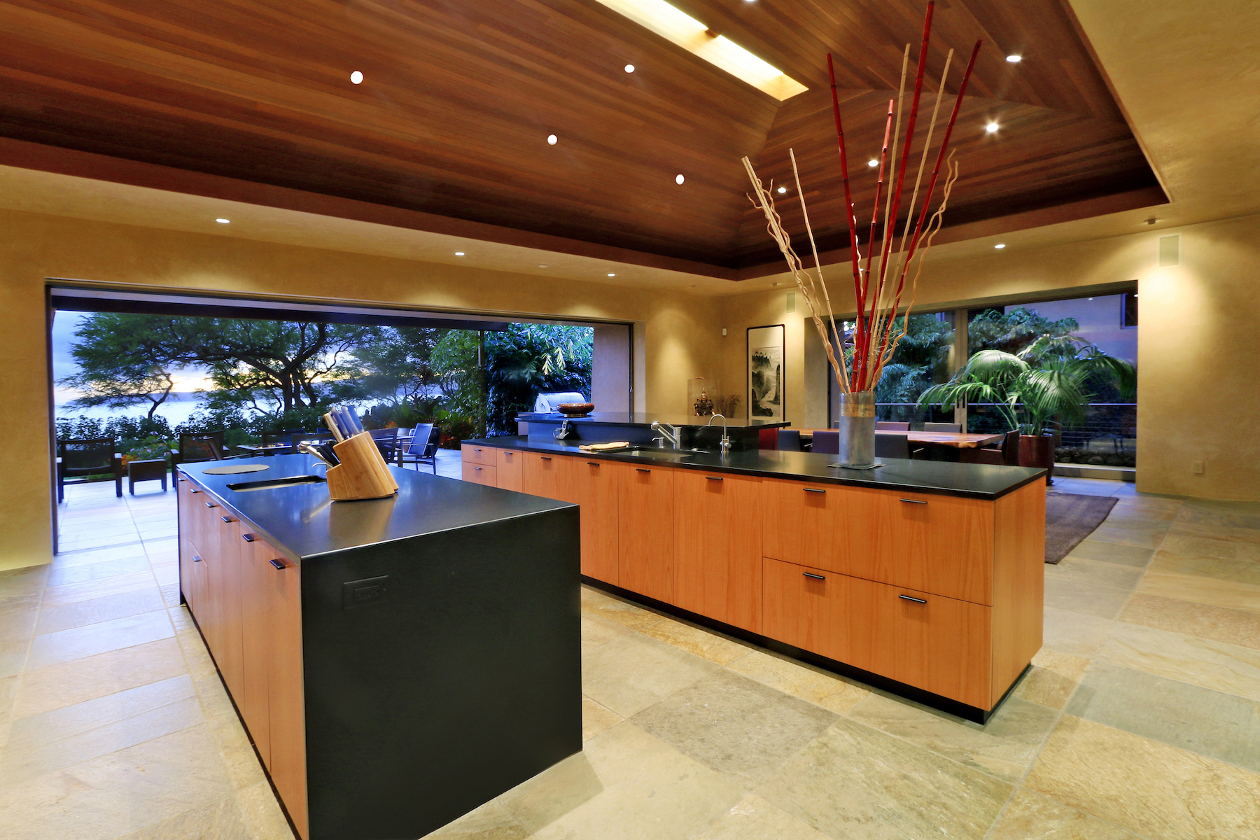 The Best of Maui Indoor-Outdoor Living on Premium Outdoor Living id=81198